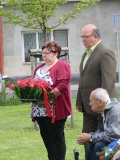 Položení kytice kuctění památky našich osvoboditelů dne 8.5.2014