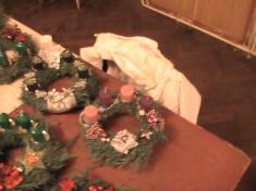 vázání adventních věnců 2009